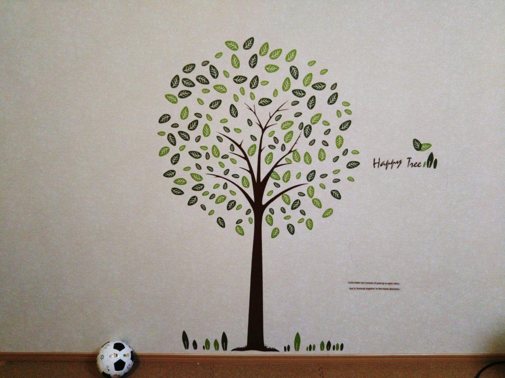ニトリのウォールステッカー 木
